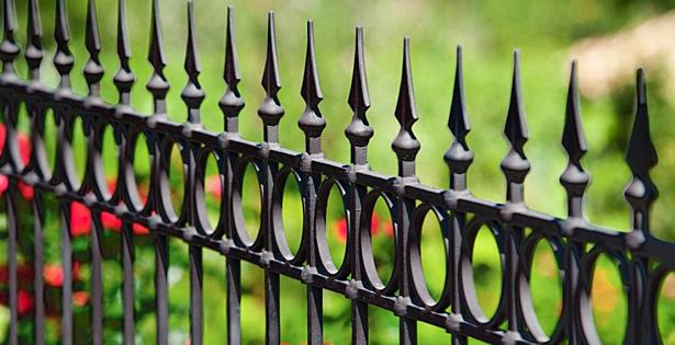 Изработка на метални огради